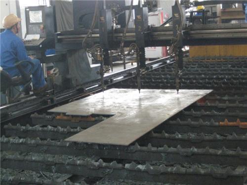 מבט מפעל 4